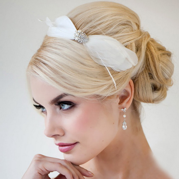 bridal-hairstyle-trends-2015-0f9f5bok